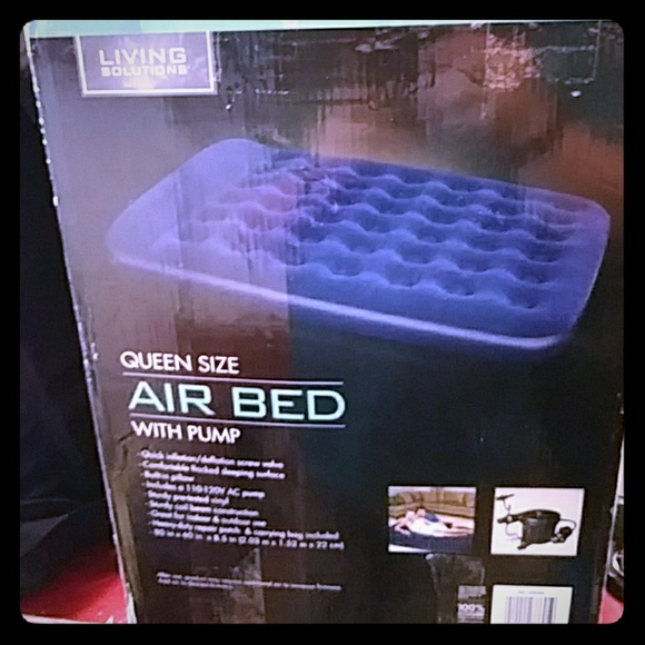 Living Solutions Other - Living Solutions Air Bed With Pump